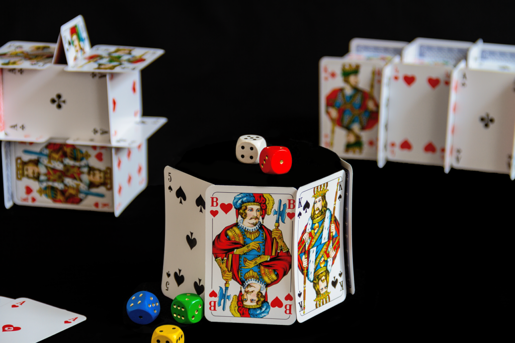 Some of the basic things to know about the poker game